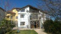 Къща, Област Варна, м-т Средна Трака